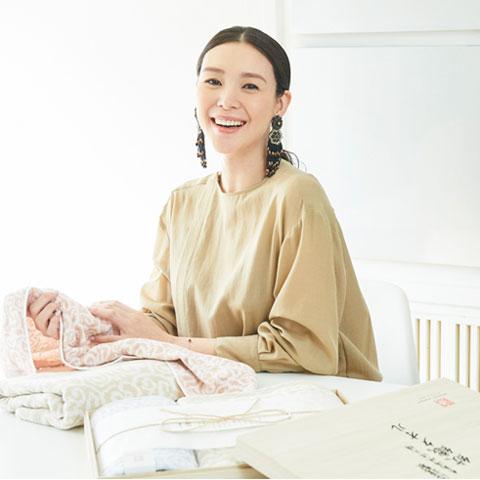 Instagram 今治謹製×知花くららさん サイン入り「紋織タオル」プレゼント企画:こちらの応募は終了いたしました。